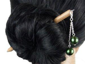 "Haarstab ""Natur"" mit Charm Perlenkette ""Smaragd"" Farbwahl"